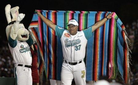 Orlando Sanchez, Manager campeon